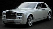 Аренда для мероприятия Rolls-Royce Phantom белого/черного цвета.